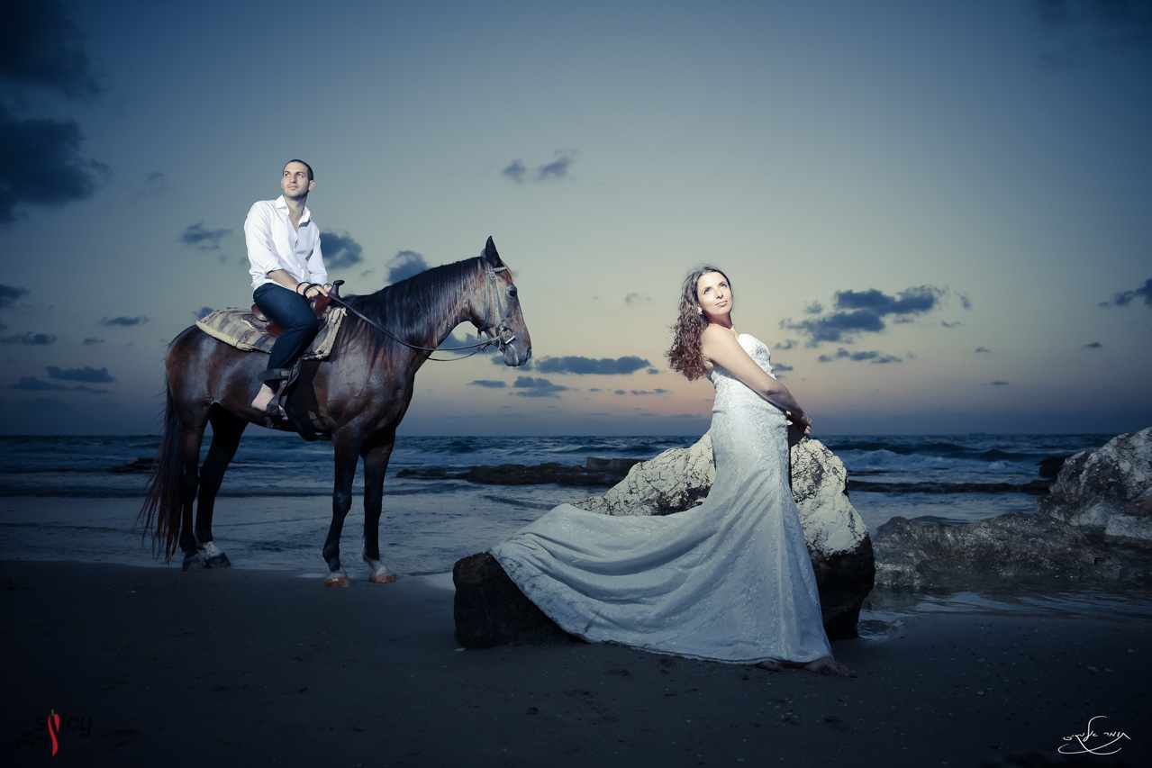 Omri-Natali-Trash-The-Dress-with-horse