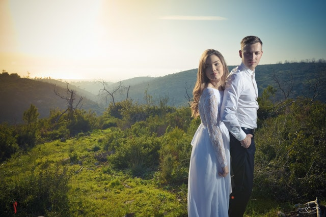 Photo of the bride and groom with natural light