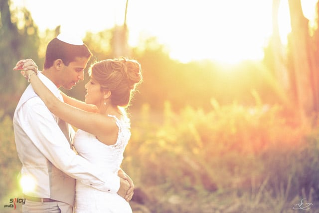 Wedding Image With Warm Light